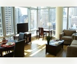 Incredible Steal! Flawless 2 bed/2 bath with full city and water views.